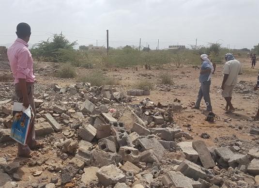 Nach dem Luftangriff auf Deir Al-Ḩajārī, Jemen, Oktober 2016