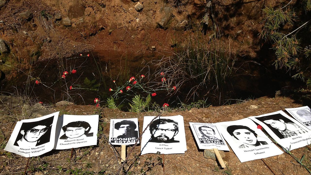 Remembering victims of the Pinochet dictatorship who were forcefully disappeared to the Colonia Dignidad. © Photo: AFDD Talca